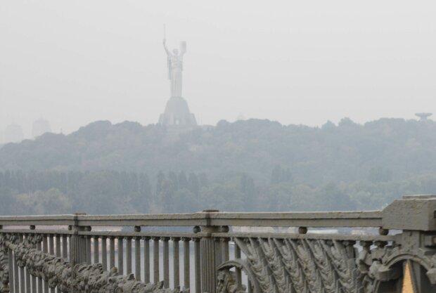 Киев накрыл смертоносный смог, люди не могут дышать: кому не стоит выходить из дома