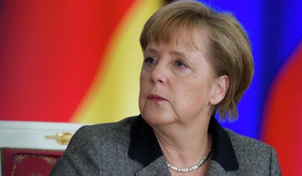 Дзвінок Путіна розлютив Меркель: санкції з РФ знімати не будуть