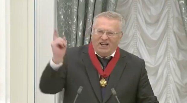 """Жириновского схватила """"старая болезнь"""", больше не выдерживает этого делать: """"Слишком длинный"""""""