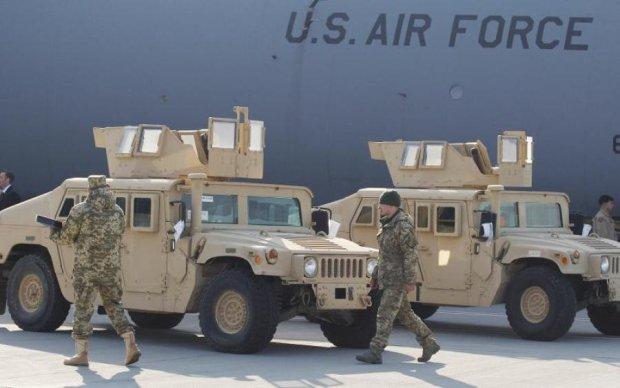 Военная помощь США: какое вооружение получит Украина