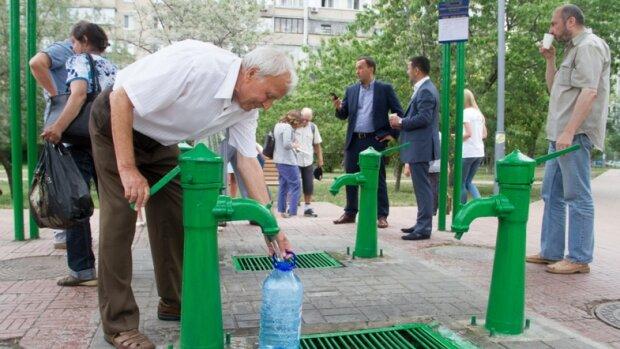 Купайтеся в Дніпрі: тисячі киян залишилися без води на вихідні