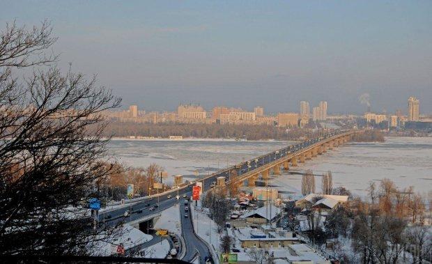 В Киеве полностью закроют мост Патона: о чем важно знать каждому водителю