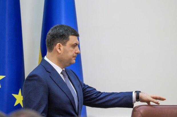 """Українці проводжають Гройсмана у далеку дорогу, час вийшов: """"Баржа прийшла, можна йти"""""""