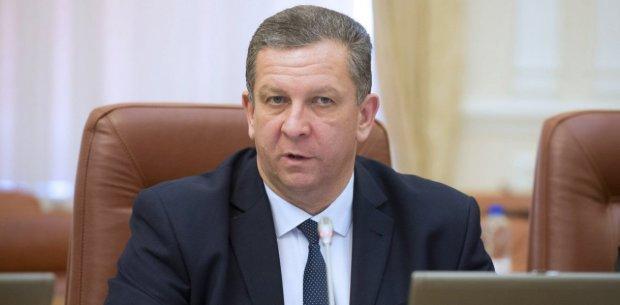 Рева вирішив долю 4 мільйонів українців: ніяких пенсій і субсидій