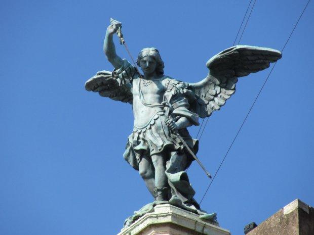 Михайлів день: найкращі привітання у віршах та листівках зі світлим святом