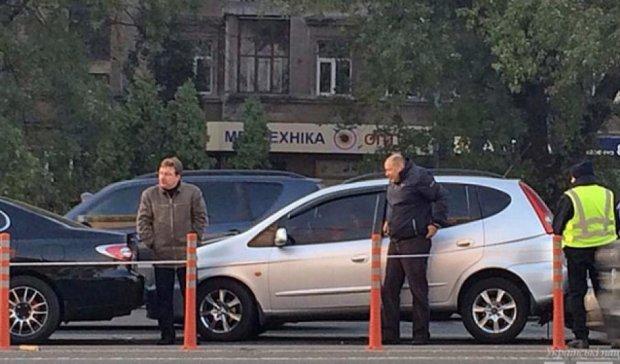 У Києві на проспекті Перемоги зіткнулися чотири автомобілі (фото)