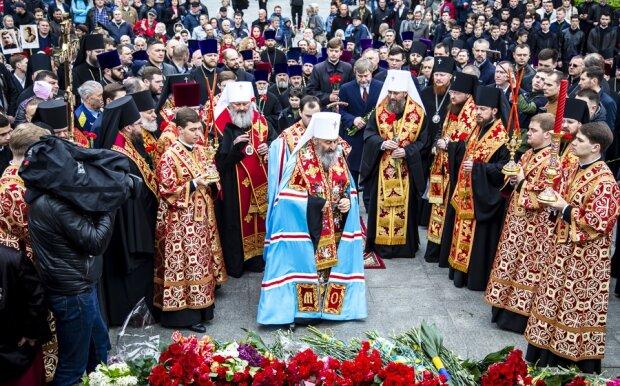 Священники, фото: Лавра