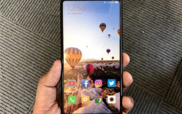 Xiaomi Mi Mix 2S вперше показали на відео