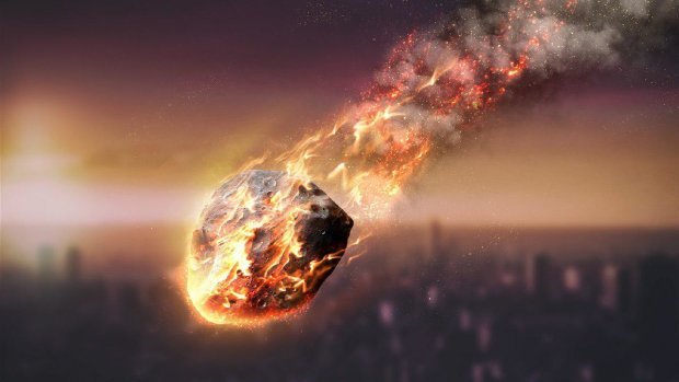 Огромный огненный шар ударил по России, очевидцы успели поймать момент на камеру