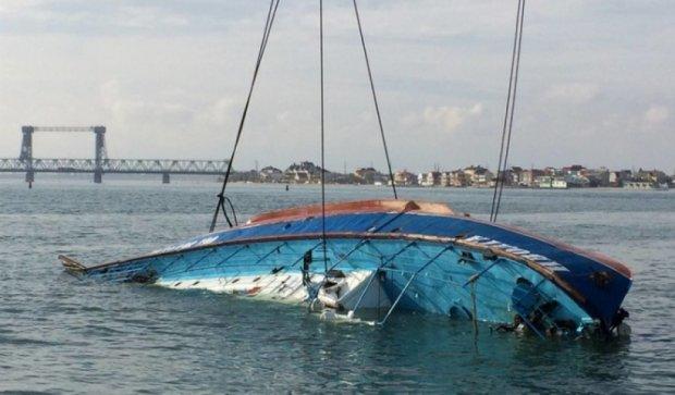 """На катері """"Іволга"""" завершили пошук тіл, продовжують у морі (відео)"""