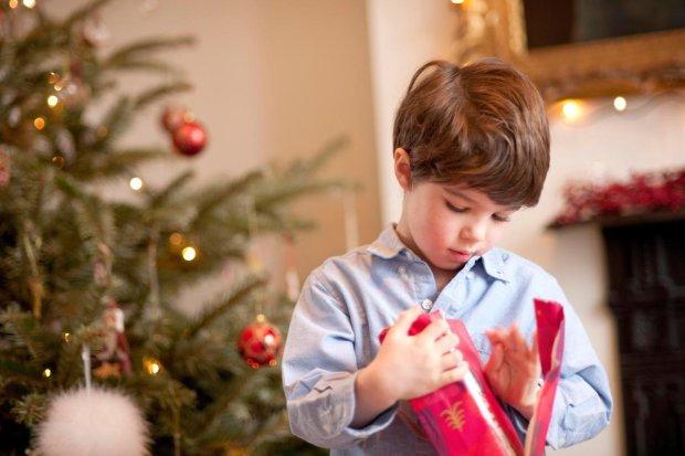 9-річного хлопчика обурила поведінка Санта Клауса. Дитина поскаржилася на нього в поліцію