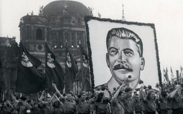 Разработчики игр в прямом смысле очернили Сталина