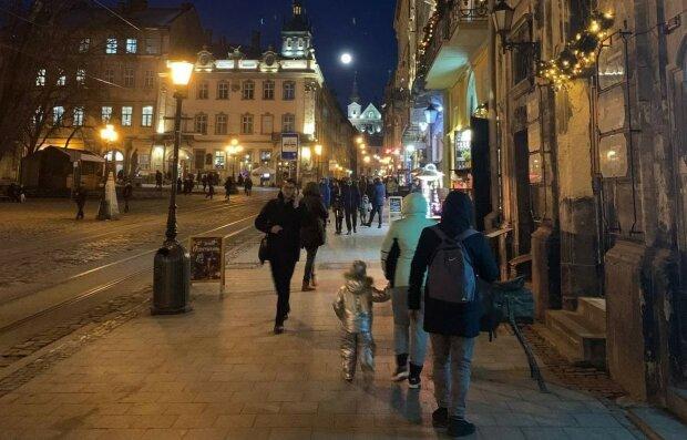 Как получить паспорт или соцпомощь без тонны справок и седых волос: украинцам облегчат жизнь новым законом