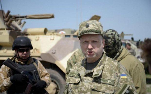 Російські навчання: Турчинов озвучив тривожну звістку