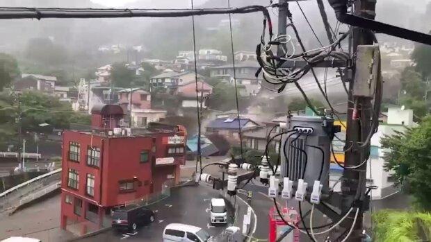 Оползень в Японии, скриншот: Youtube