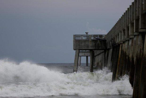 """""""Флоренс"""" на подмогу: в США начался еще один ужасающий ураган"""
