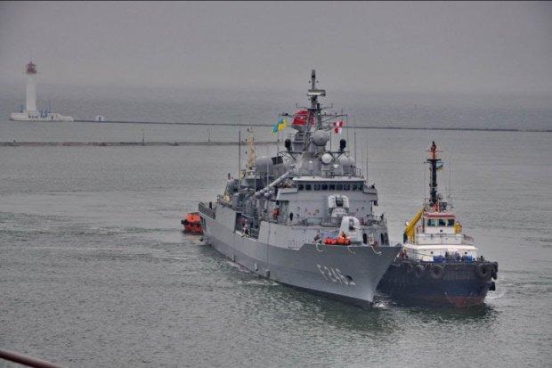 В Черное море зашли иностранные корабли: вооружены до зубов