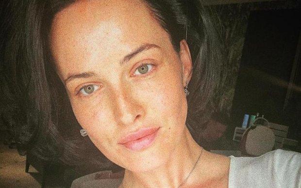 Астафьева без макияжа поделилась личными секретами: невероятная красотка