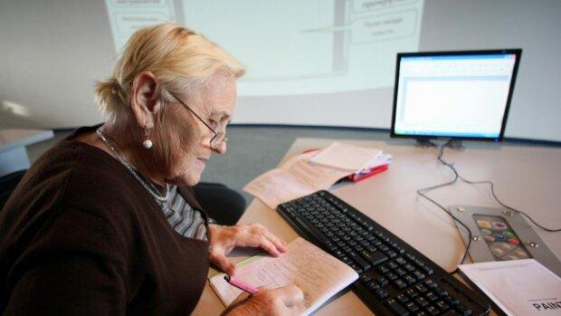 Украинским пенсионерам подсказали, как найти работу: опытом уже никого не удивишь