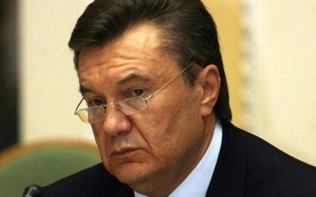 Опухшее лицо и потухшие глаза: Янукович ужаснул внешним видом