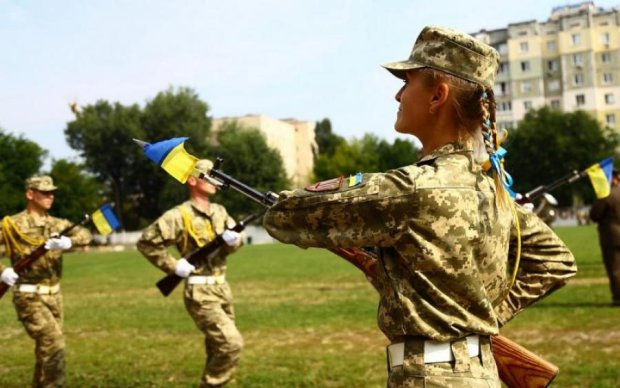Не сжечь огнем, не одолеть пулями: история крепчайшего флага Украины