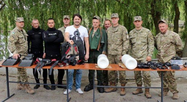 Поддерживают героев Донбасса с первых дней войны: топ-9 звездных волонтеров, не испугавшиеся пуль и минометов