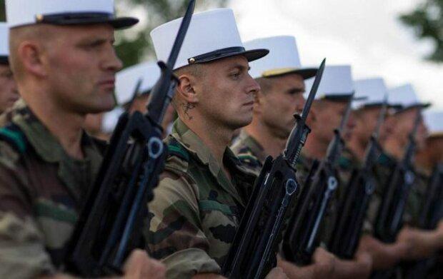 наемники из французского легиона, фото: militaryarms.ru