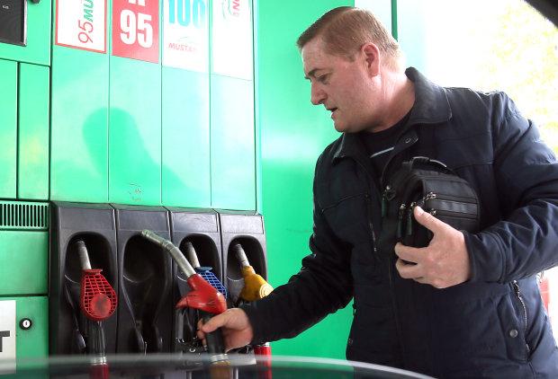 Литр за 40 гривен: стало известно, когда украинским водителям ждать удара