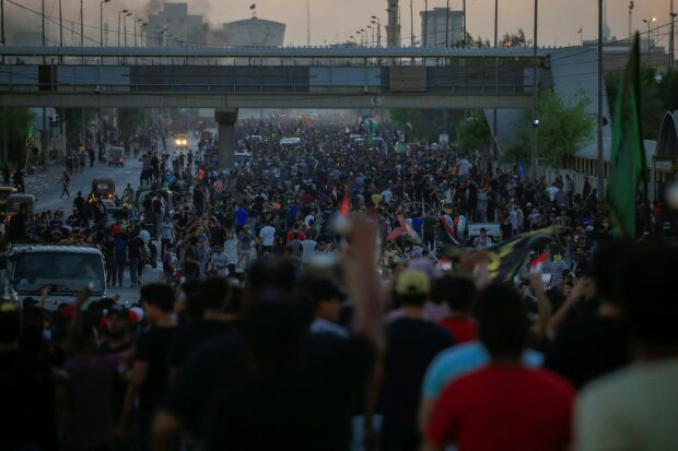 Ірак сколихнули масові протести, країна у вогні: десятки загиблих та поранених