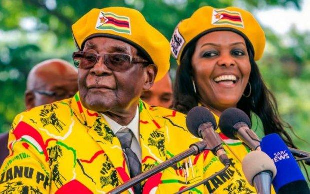 Протест Мугабе: диктатор не хочет мыться и овсянку