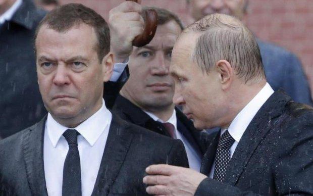 Путін змусив Медведєва піти у відставку