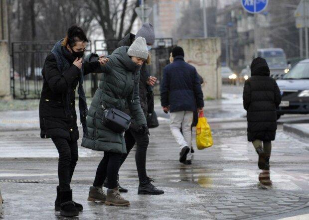 Погода в Украине на 8 января, второй день Рождества, готовит опасность