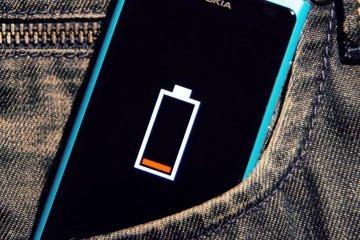 """Нічна зарядка """"вбиває"""" ваш смартфон, і ось чому"""