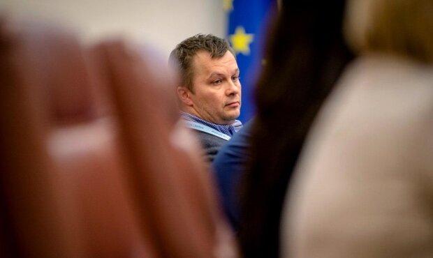 Українці жорстко розкритикували Мілованова за боротьбу з тіньовою зайнятістю