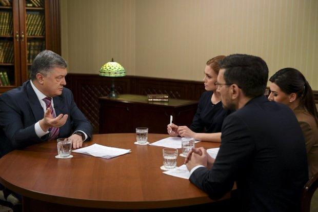 В Twitter показали обед Порошенко: после ухода президента платить было некому, долго ждали денег