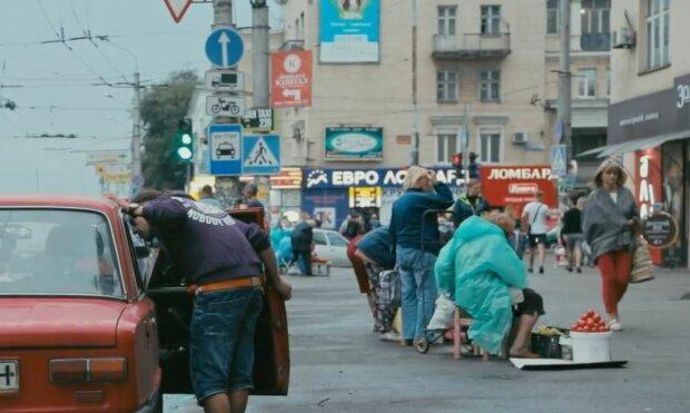 """Переселенці порівняли життя в Донецьку і Мелітополі - """"Ізольованість від світу"""""""