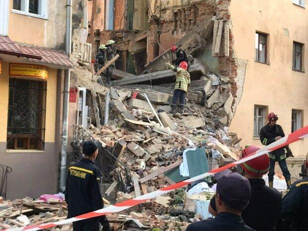 Потужний вибух прогримів на Львівщині, десятки жертв: моторошні подробиці і кадри трагедії
