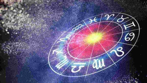 Гороскоп на 12 жовтня для всіх знаків Зодіака: кому не можна залишатися одному