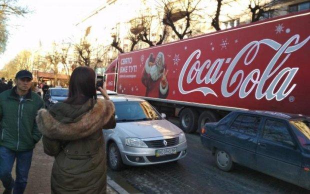 Свято наближається: Комаровський розкрив таємницю Кока-коли