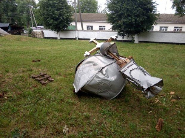 Ураган разрушил храм на Буковине