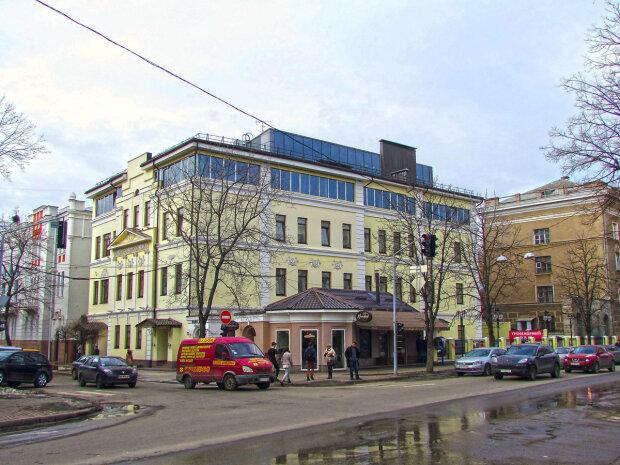 """Харків'яни, будемо """"курити"""" місяць: які вулиці перекриють через ремонт"""