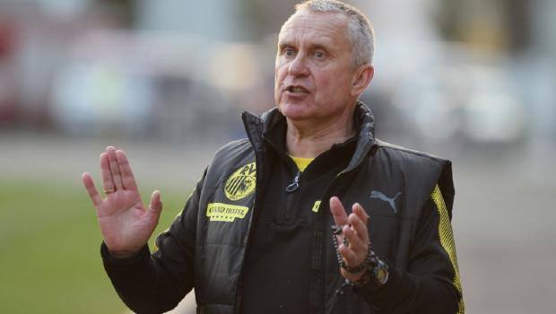 Известные украинские тренеры чуть не подрались во время матча: фото