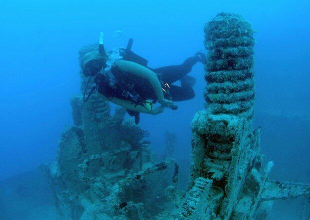 Легендарна Атлантида виявилася правдою: вчені знайшли на дні океану затонулий материк
