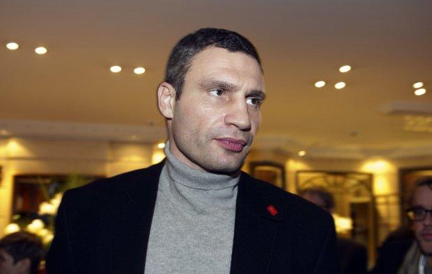 """Кличко создает взрывоопасную ситуацию: мэр """"играет"""" с темой, которая разорвет и Киевсовет, и депутатов"""