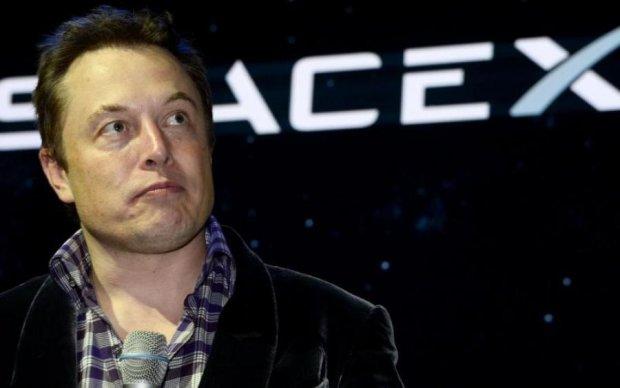 Маск відправив прибульцям несподіваний подарунок