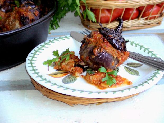 Фаршировані баклажани з телятиною: ситний рецепт на всі випадки життя