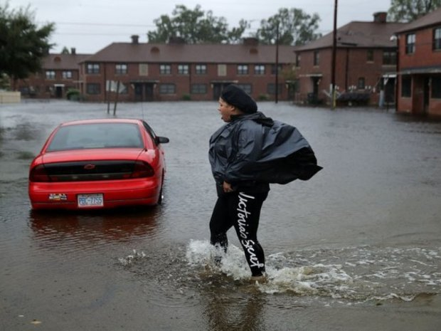 """Количество жертв урагана-убийцы """"Флоренс"""" в США неуклонно растет"""
