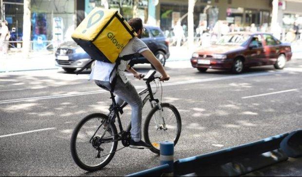 Трагедія з велокур'єром Glovo у Харкові отримала моторошне продовження: дива не сталося