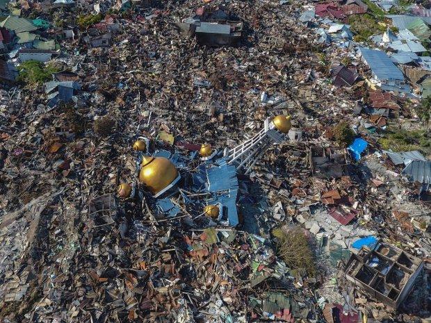 Руйнівний циклон обрушився на країну і ховає жителів сотнями: кадри дикої стихії приголомшили мережу