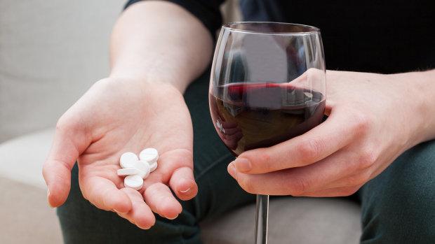 Супрун назвала препараты, несовместимые с алкоголем: внимательно читайте инструкцию